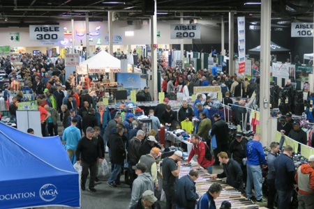 Crowd at the New Jersey Golf Show