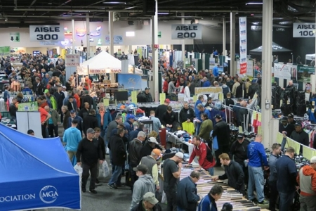 Crowd at New Jersey Golf Show