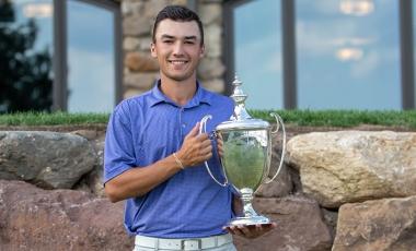 Ryan Davis with Met Amateur Trophy